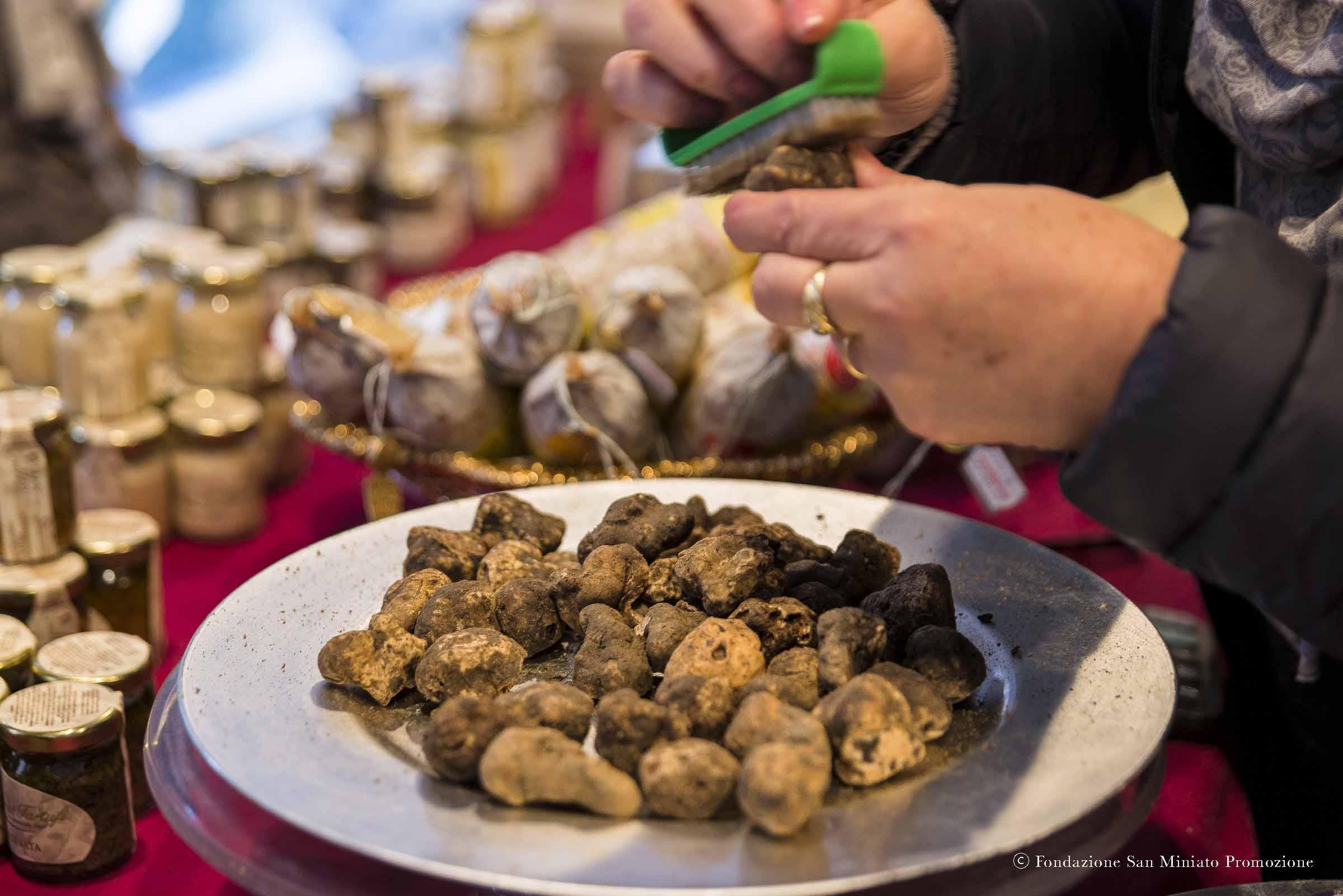 gazzarrini tartufi di san miniato pulitura tartufo