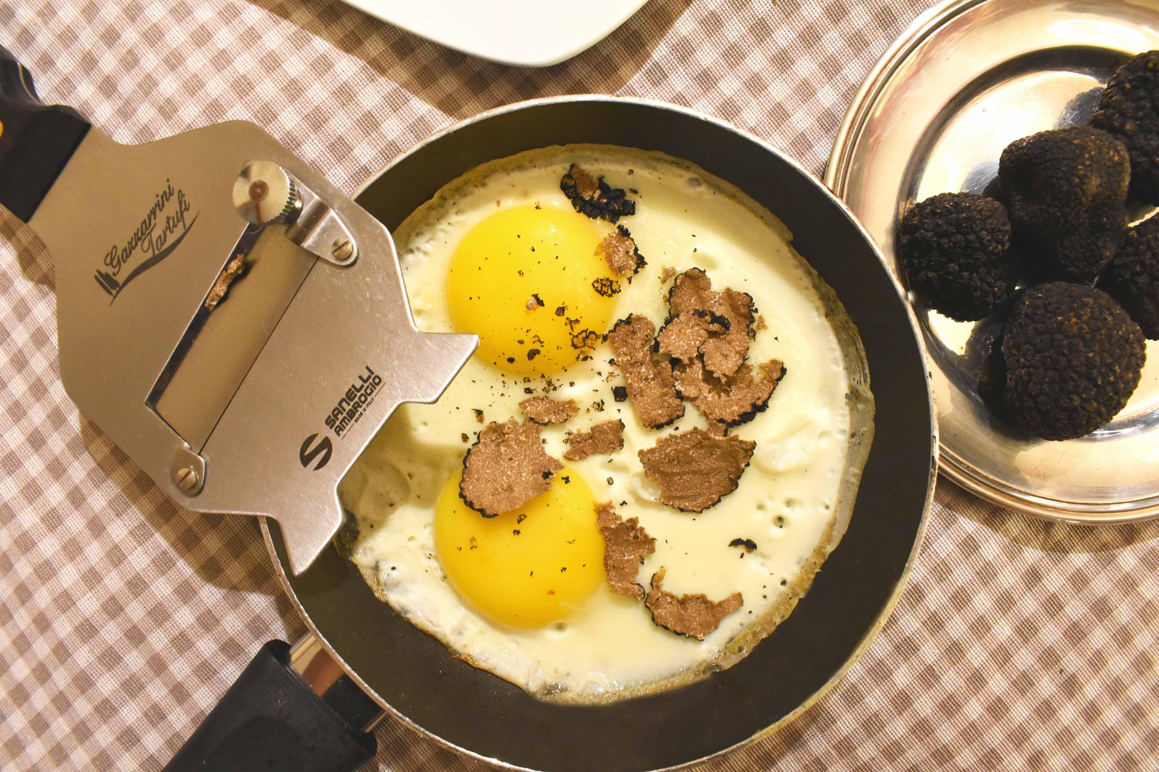 uovo al tartufo, uovo al tegamino al tartufo, tartufi di san miniato