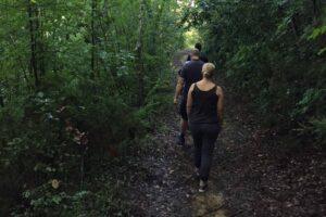 ricerca-dei-tartufi-di-san-miniato-nel-bosco-